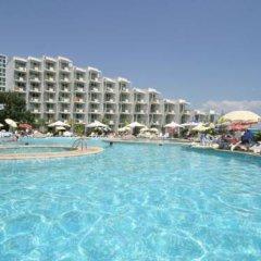 Отель Laguna Beach Болгария, Албена - отзывы, цены и фото номеров - забронировать отель Laguna Beach онлайн бассейн фото 3