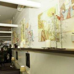 Отель Amber Apple Guesthouse Литва, Вильнюс - отзывы, цены и фото номеров - забронировать отель Amber Apple Guesthouse онлайн интерьер отеля фото 3