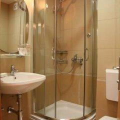 Отель Regina Elena Черногория, Будва - отзывы, цены и фото номеров - забронировать отель Regina Elena онлайн ванная фото 2