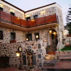 Отель Balsamico Traditional Suites парковка