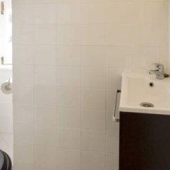 Отель Rent4days Oliveirinha Apartments Португалия, Лиссабон - отзывы, цены и фото номеров - забронировать отель Rent4days Oliveirinha Apartments онлайн ванная