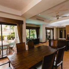 Отель Phuket Marbella Villa питание
