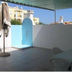 Отель Manta Rota Village бассейн