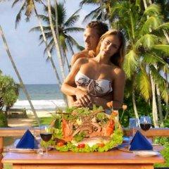 Отель Wunderbar Beach Club Hotel Шри-Ланка, Бентота - отзывы, цены и фото номеров - забронировать отель Wunderbar Beach Club Hotel онлайн бассейн фото 3