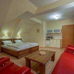 Отель Jawor Pokoje i Apartamenty комната для гостей фото 5