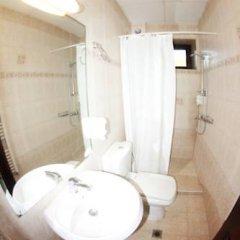 Отель Guesthouse Saint George Болгария, Чепеларе - отзывы, цены и фото номеров - забронировать отель Guesthouse Saint George онлайн ванная фото 2