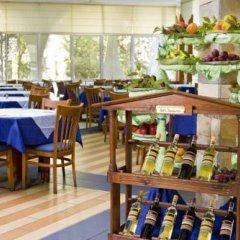 Отель Laguna Beach Болгария, Албена - отзывы, цены и фото номеров - забронировать отель Laguna Beach онлайн питание фото 2