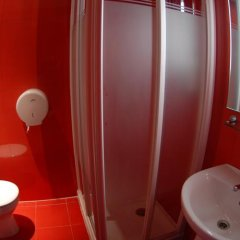 Barcelona Urbany Hostel ванная