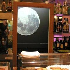 Hotel Moon гостиничный бар