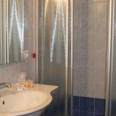 Отель Residence Miralago Rooms & Apartments Италия, Манерба-дель-Гарда - отзывы, цены и фото номеров - забронировать отель Residence Miralago Rooms & Apartments онлайн ванная фото 2