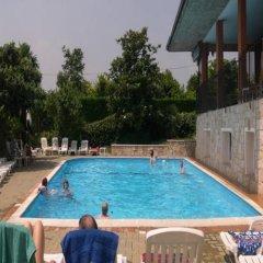 Отель Residence Miralago Rooms & Apartments Италия, Манерба-дель-Гарда - отзывы, цены и фото номеров - забронировать отель Residence Miralago Rooms & Apartments онлайн бассейн фото 3