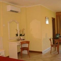 Отель Residence Miralago Rooms & Apartments Италия, Манерба-дель-Гарда - отзывы, цены и фото номеров - забронировать отель Residence Miralago Rooms & Apartments онлайн удобства в номере