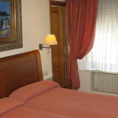 Отель Hostal Bahia Испания, Сан-Себастьян - отзывы, цены и фото номеров - забронировать отель Hostal Bahia онлайн комната для гостей фото 4