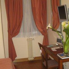 Отель Hostal Bahia Испания, Сан-Себастьян - отзывы, цены и фото номеров - забронировать отель Hostal Bahia онлайн удобства в номере фото 2