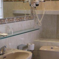 Отель Hostal Bahia Испания, Сан-Себастьян - отзывы, цены и фото номеров - забронировать отель Hostal Bahia онлайн ванная