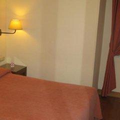Отель Hostal Bahia Испания, Сан-Себастьян - отзывы, цены и фото номеров - забронировать отель Hostal Bahia онлайн комната для гостей фото 2