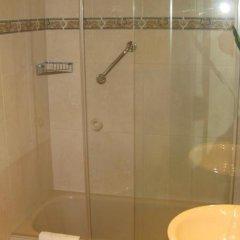 Отель Hostal Bahia Испания, Сан-Себастьян - отзывы, цены и фото номеров - забронировать отель Hostal Bahia онлайн ванная фото 2