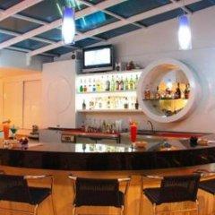 Отель Rayaburi Beach Club гостиничный бар