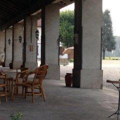 Отель Cascina Salazzara Маджента бассейн