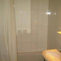 Отель Boreal Франция, Тулуза - отзывы, цены и фото номеров - забронировать отель Boreal онлайн ванная фото 2