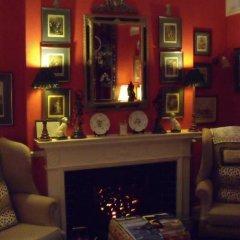 Отель Colindale Guest House гостиничный бар