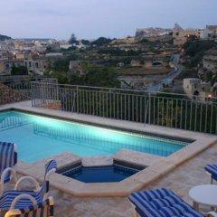 Отель Sylvias Millhouse Мальта, Керчем - отзывы, цены и фото номеров - забронировать отель Sylvias Millhouse онлайн бассейн фото 2