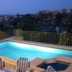 Отель Sylvias Millhouse Мальта, Керчем - отзывы, цены и фото номеров - забронировать отель Sylvias Millhouse онлайн бассейн