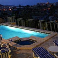 Отель Sylvias Millhouse Мальта, Керчем - отзывы, цены и фото номеров - забронировать отель Sylvias Millhouse онлайн бассейн фото 3