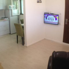 ArendaIzrail Apartment - HaGolan Street Израиль, Тель-Авив - отзывы, цены и фото номеров - забронировать отель ArendaIzrail Apartment - HaGolan Street онлайн комната для гостей фото 5