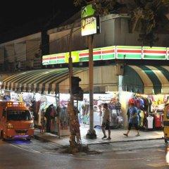 Отель Karon Thira Guesthouse городской автобус