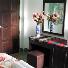Отель Thira House удобства в номере