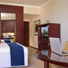 Отель Beach Rotana удобства в номере фото 2
