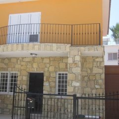 Отель Valentinos Villa Кипр, Протарас - отзывы, цены и фото номеров - забронировать отель Valentinos Villa онлайн бассейн