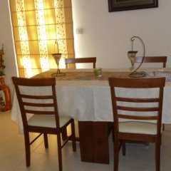 Отель Valentinos Villa Кипр, Протарас - отзывы, цены и фото номеров - забронировать отель Valentinos Villa онлайн питание