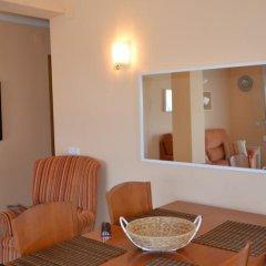 Отель Los Pinares Seaview Apartments Испания, Бланес - отзывы, цены и фото номеров - забронировать отель Los Pinares Seaview Apartments онлайн комната для гостей фото 2