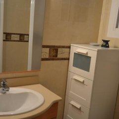 Отель Los Pinares Seaview Apartments Испания, Бланес - отзывы, цены и фото номеров - забронировать отель Los Pinares Seaview Apartments онлайн ванная