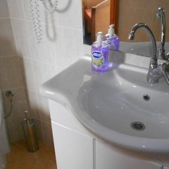 Hotel Seni Studium ванная
