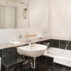 Отель U Zlateho Stromu Прага ванная фото 2