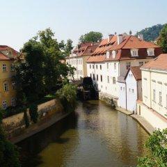 Отель U Tri Pstrosu Прага приотельная территория фото 2