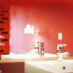Отель Gartenhotel Altmannsdorf Low Budget Designhotel Австрия, Вена - отзывы, цены и фото номеров - забронировать отель Gartenhotel Altmannsdorf Low Budget Designhotel онлайн ванная