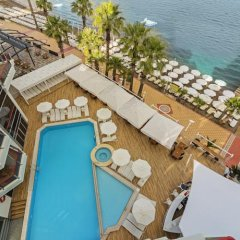 Poseidon Hotel - Adults Only бассейн
