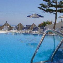 Отель Emmanouela Studios Греция, Остров Санторини - отзывы, цены и фото номеров - забронировать отель Emmanouela Studios онлайн бассейн фото 2