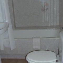 Отель Club Maritimo at Ronda III Испания, Фуэнхирола - отзывы, цены и фото номеров - забронировать отель Club Maritimo at Ronda III онлайн ванная фото 2