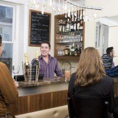 Отель New Steine Hotel - B&B Великобритания, Кемптаун - отзывы, цены и фото номеров - забронировать отель New Steine Hotel - B&B онлайн гостиничный бар