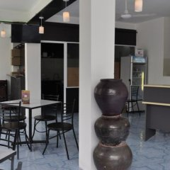 Отель Atoll Seven Inn гостиничный бар