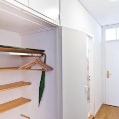 Апартаменты Jenatsch Apartments сейф в номере