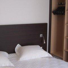 Отель Escale Oceania Marseille Vieux Port сейф в номере
