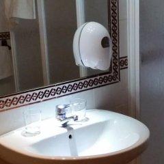 Отель Hostal Atenas ванная фото 2