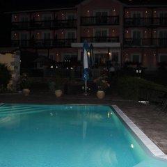 Hotel Grahor бассейн