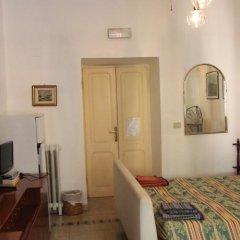 Отель Da Alessia Per Dormire Al Coppedé комната для гостей фото 5